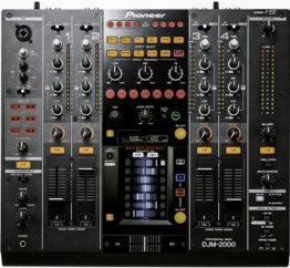 Pioneer DJM 2000 mengpaneel