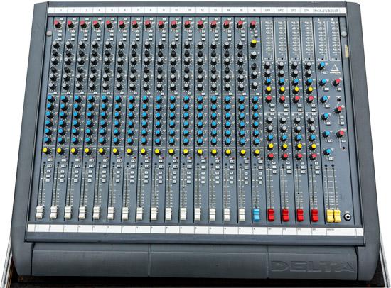 Soundcraft Delta 16 mengpaneel