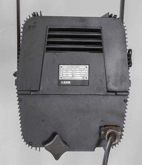 ADB toneelspot THH 2001 JHC 2000 Watt_W3R8428