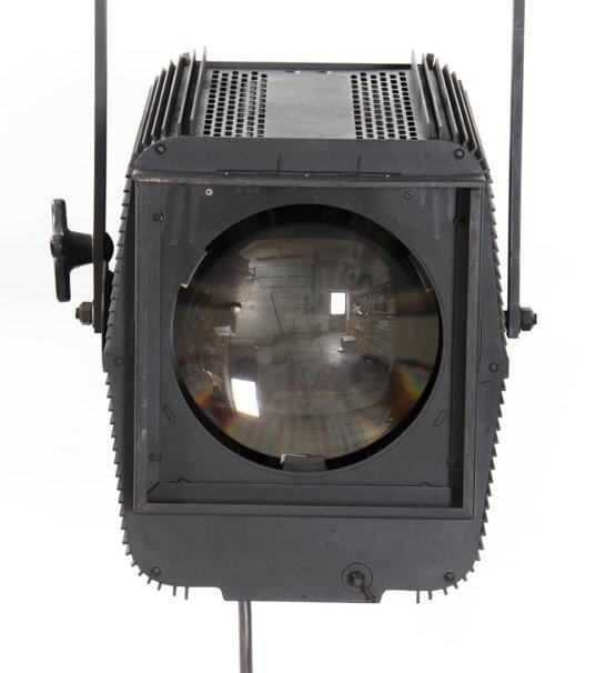 ADB toneelspot THH 2001 JHC 2000 Watt_W3R8431