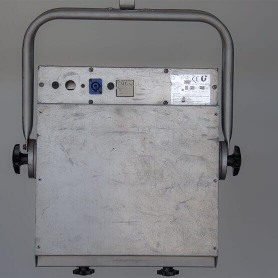 Audience Blinder 4 polish-rear_W3R8076