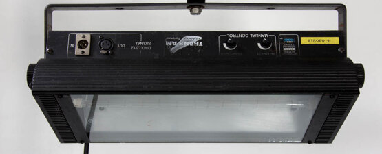 Geni Electronics Co. FL-2000D giga strobe DMX_W3R8250