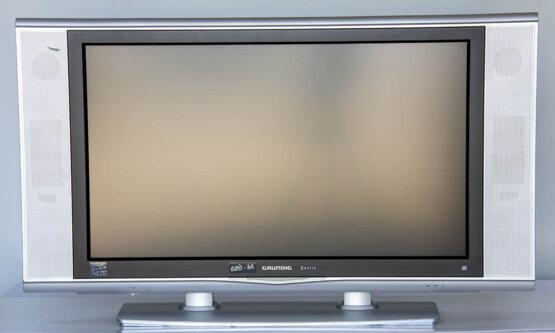 Grundig Xentia 32LXW 82-7410 HD ready_W3R9215