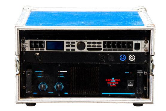 Omnitronic PA 1600 + Behringer UltraDrivePro 2496_W3R8522