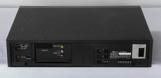 Panasonci NV-HD90 VHS recorder_W3R8844