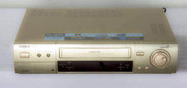 Philips Matchline VR 1500 super VHS player_W3R8839