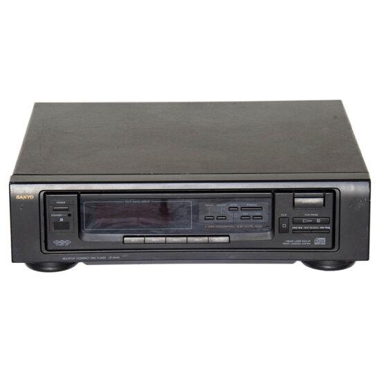Sanyo CP-M405 multiplay 4 CD player_W3R8913