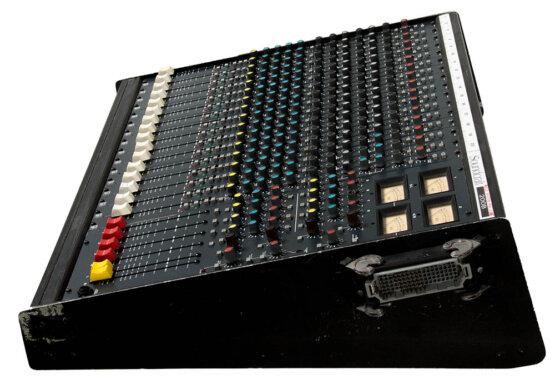 Soundcraft 200B 16-4-2_W3R8170
