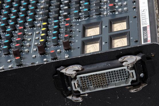 Soundcraft 200B 16-4-2_W3R8171
