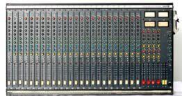 Soundcraft-200SR-24-4-2_W3R8130
