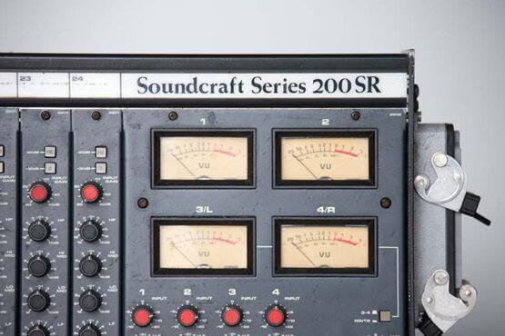 Soundcraft-200SR-24-4-2_W3R8132