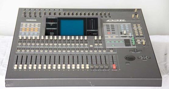 Yamaha O2R_W3R8140
